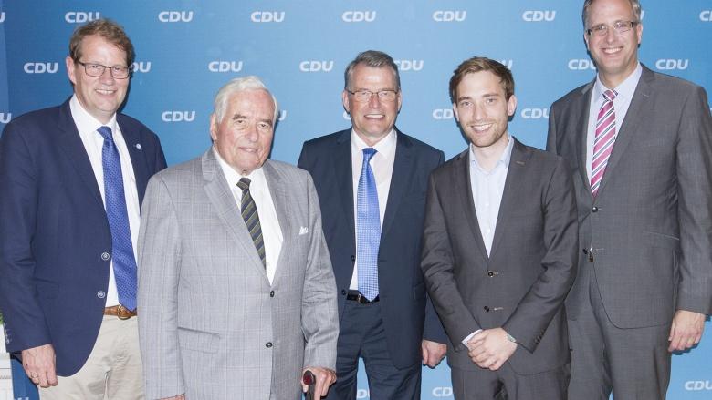 Gero Storjohann, MdB, Paul-Joachim Tiefenbacher, Reimer Böge, MdEP, Lukas Kilian, Landtagskandidat und Tobias Koch, MdL (von links) stellten sich für ein Foto zur Verfügung.